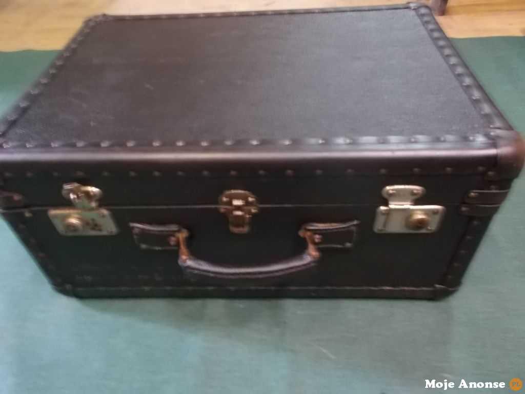 Sprzedam Przedwojenny Kufer lata 30-te