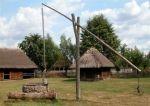 Ukraina.Oddamy stare drewniane budynki do rozbioru, rancza PGR-y